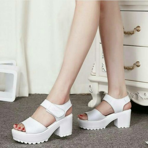 Koleksi Sepatu Wedges Docmart Putih