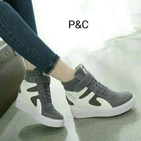 Sepatu Boot Gesper Sapi Abu