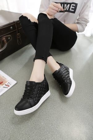 FASHION Sepatu Boot Wanita ZR35 Hitam