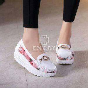 FASHION Sepatu Wedges Slip On Bunga Putih