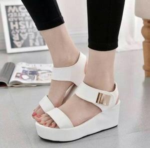 FASHION Sepatu Wedges T135 White