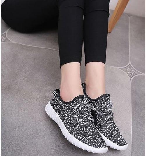 Sepatu Kets Wanita Yeezy ND06