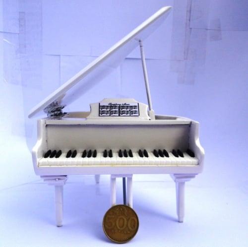 Miniatur Grand Piano Special White