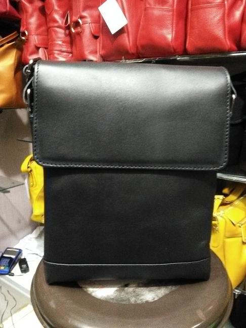 Tas kulit full up untuk pria , ARYAN P.P asli garut - Hitam