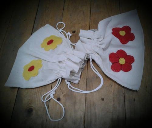 Tas Organizer Pouch  Kantong Kosmetik Cosmetic Bag Dompet Alat Make up Kanvas Blacu Flanel