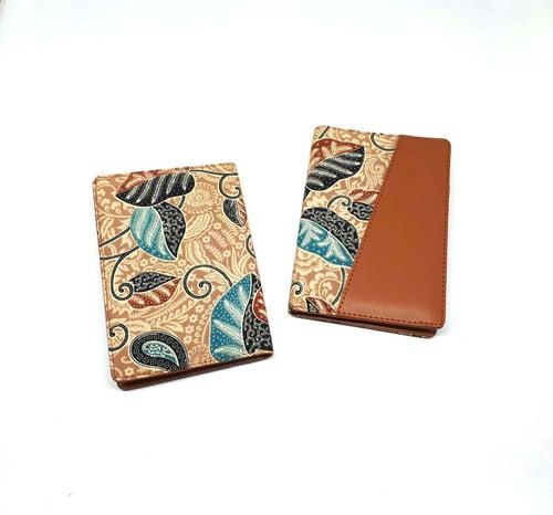 Dompet Pasport/Passport Cover Batik Abstrak Coklat