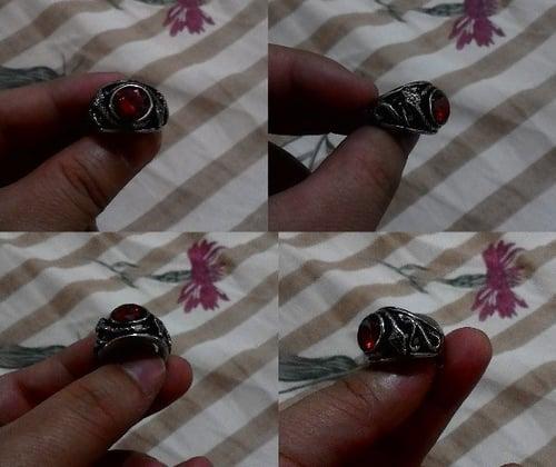 Cincin Cobra Snake Red Stainless Steel.