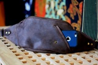 Jordan Waist Bag on Crazy Horse Darkbrown