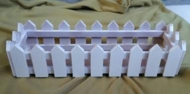 pot bunga pagar kayu putih