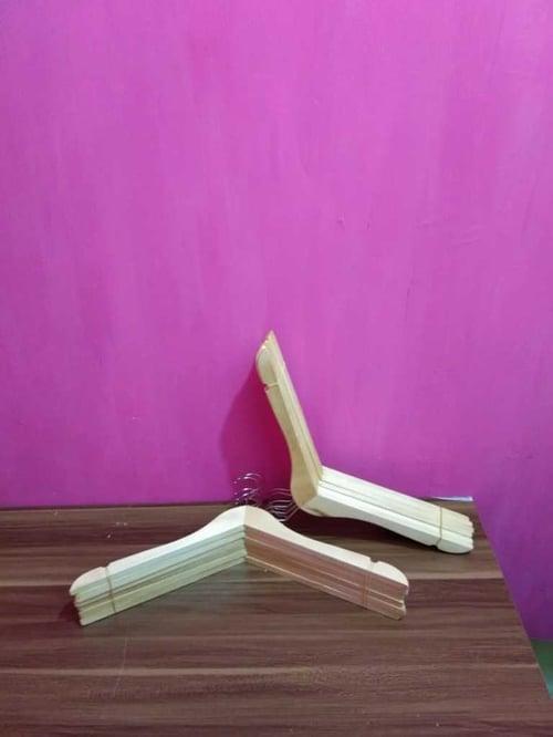 Hanger Kayu Natural Per Lusin