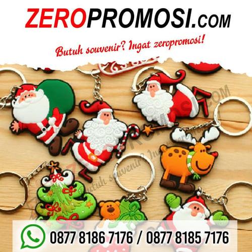 Souvenir Unik & Menarik gantungan kunci rubber edisi natal