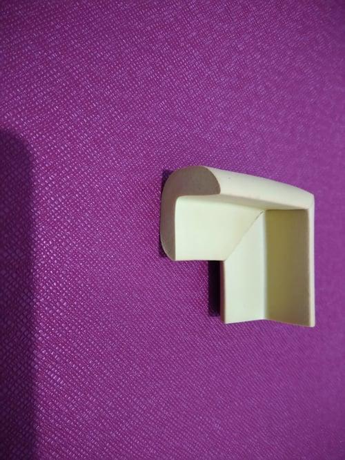 Pelindung siku sudut meja kayu kaca ukuran 0.8mm