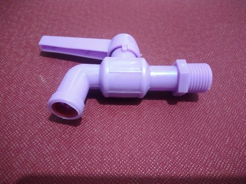 Kran air 1/2 inch warna