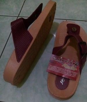 NEW ERA Sandal Karet Jepit Wanita  - Profound LB748