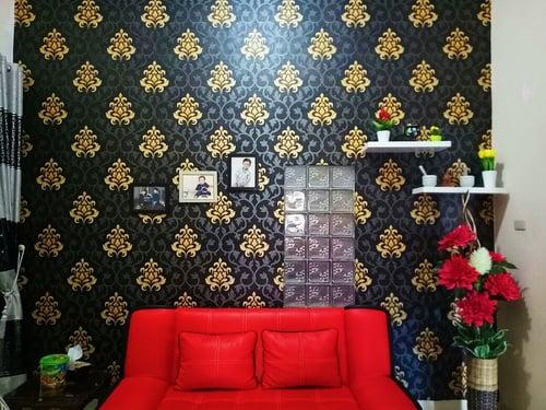 Wallpaper Dinding Warna Abu gelap corak emas Roll Kecil