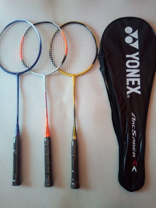 raket badminton yonex free tas dan grip handuk