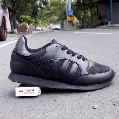 ADIDAS Sepatu Sport Boston Super Full Black