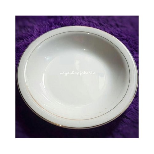 Piring Makan Keramik Putih